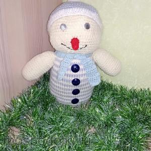 Вязаный снеговик ручной работы