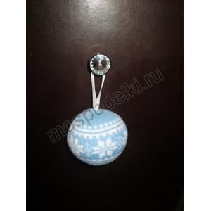 Елочный шар вязаный, голубой